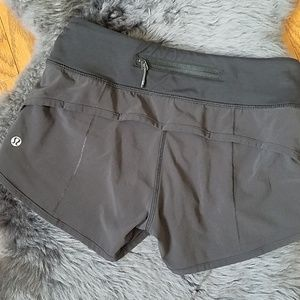 Lululemon - Shorts